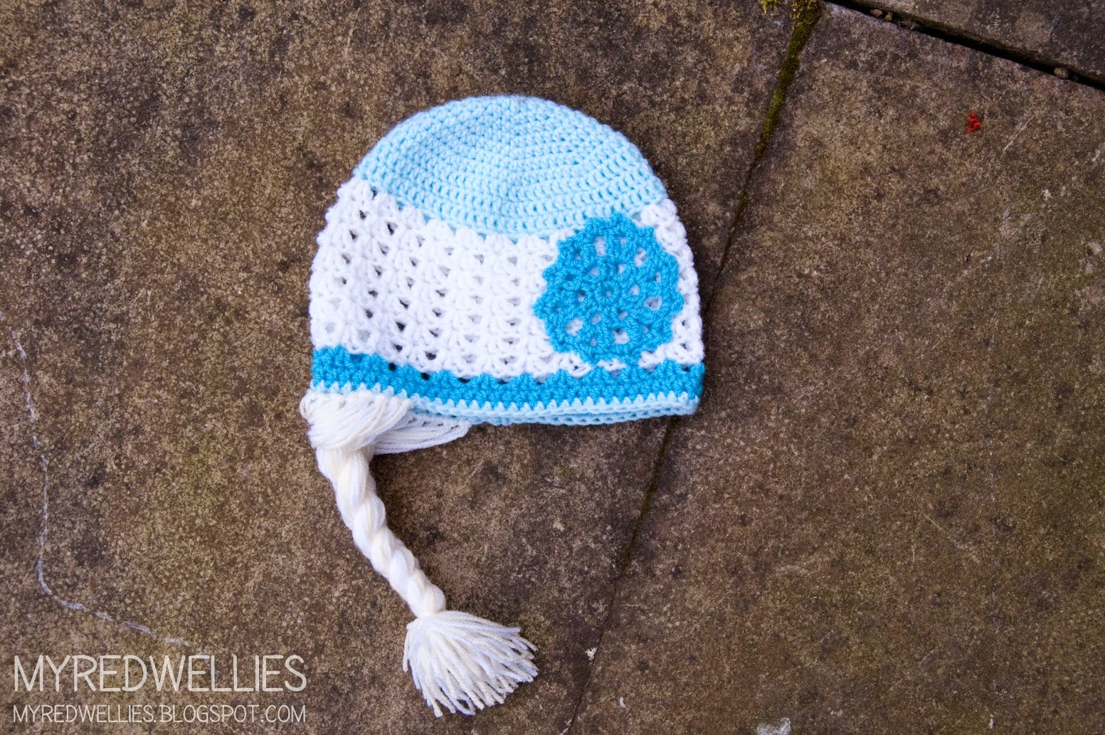 Free Crochet Patterns For Elsa Hats : My Red Wellies: Anna & Elsa crochet hats - A free Crochet ...