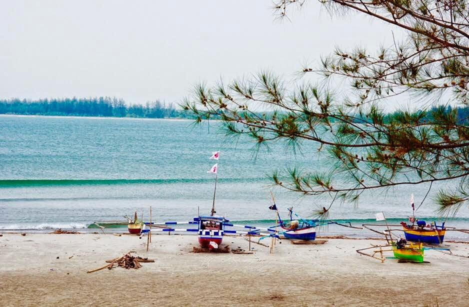 Wisata Pantai Tapak Paderi Di Bengkulu