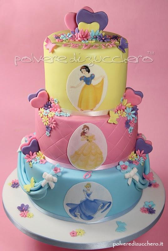torta decorata principesse disney biancaneve cenerentola e belle polvere di zucchero