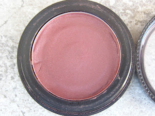 Perfectly mended Blush Close Up