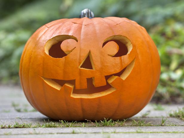halloween 2012 traditional pumpkin carving ideas from hgtv