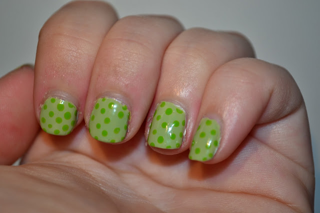 Polkadot Nail Art by Elins Nails