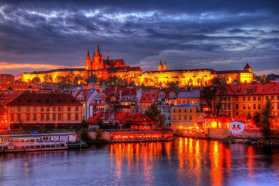 Eastern European Girls - Take her to Prague