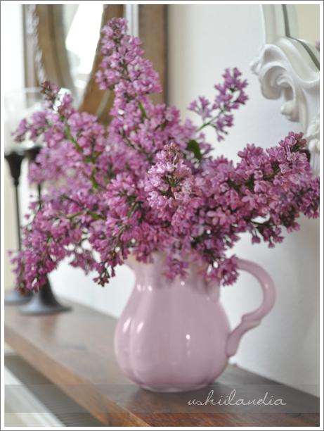 ceramiczny dzbanek różowy pastelowy IB Laursen