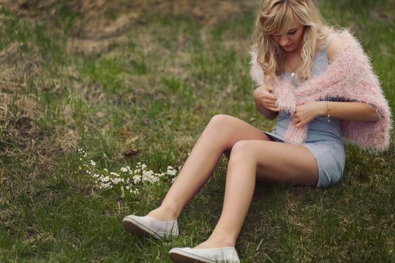 blogger, shop, legs, long legs, blonde