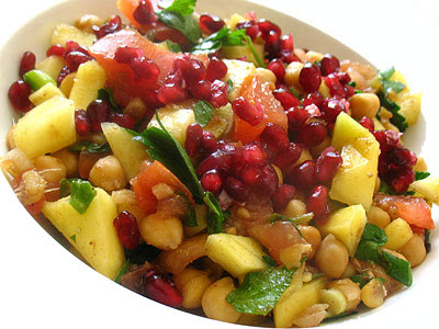 Chickpea Salad with Chat Masala, Mango and Pomegranate Seeds | Lisa's ...