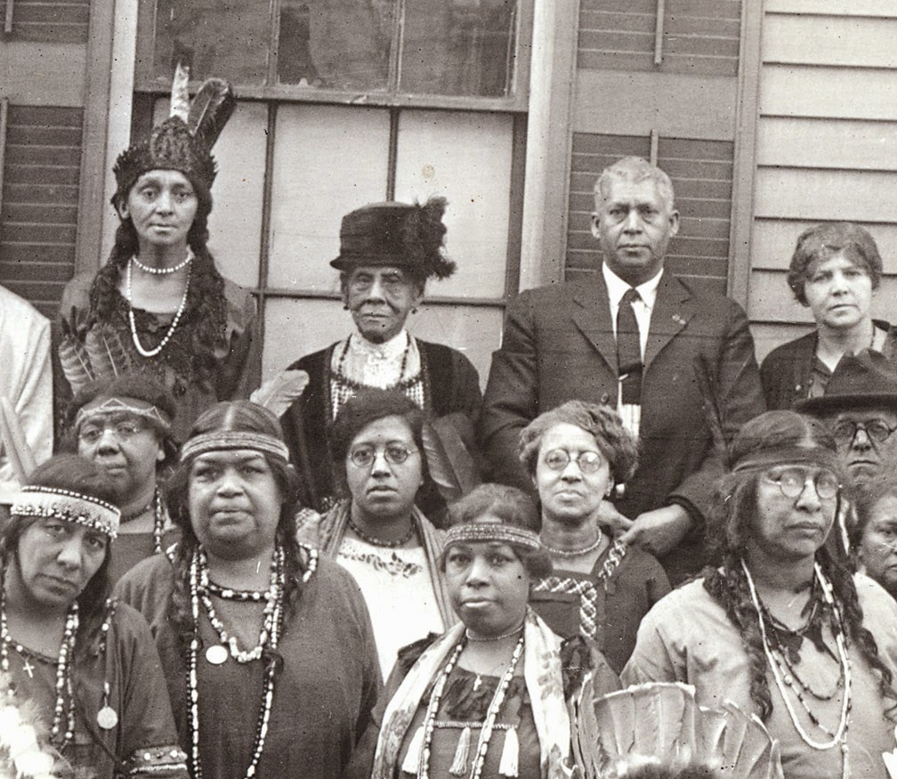 """history of the algonquin indian tribe History of the algonquins algonquian is the name of the cultural linguistic group that includes many """"tribes"""", of which the algonquin are one."""