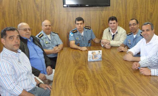 Prefeito de Teresópolis,Arlei Rosa,debate segurança com o comando da Polícia Militar