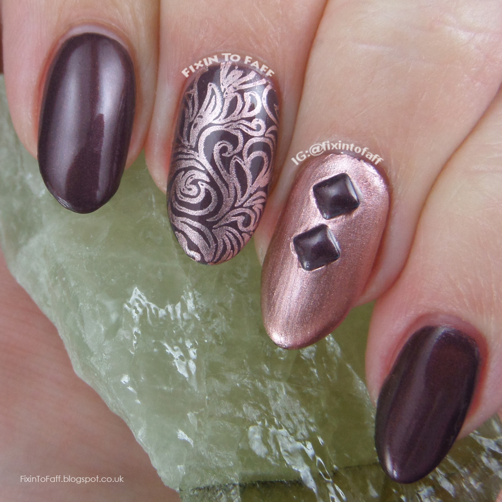 A chic copper nail art over Essie Sable Collar.