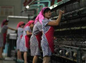 Tulang+Punggung+Keluarga+wanita Peraturan – Peraturan Aneh Wanita Korea Utara