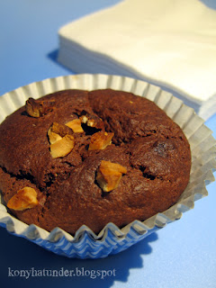 cocoa-yogurt-banana-wholemeal-muffin