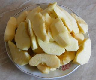 felii de mere pentru umplut gasca, retete cu mere, preparate din mere, fructe, umplutura din mere pentru friptura de gasca, retete culinare,
