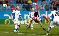 Diego Costa lo intentó de chilena