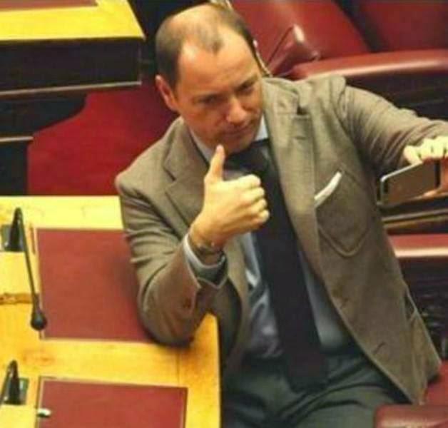 """Ψυχάρης υιός: """"Στης βουλής τα έδρανα, σέλφι εγώ να έβγαινα..."""""""