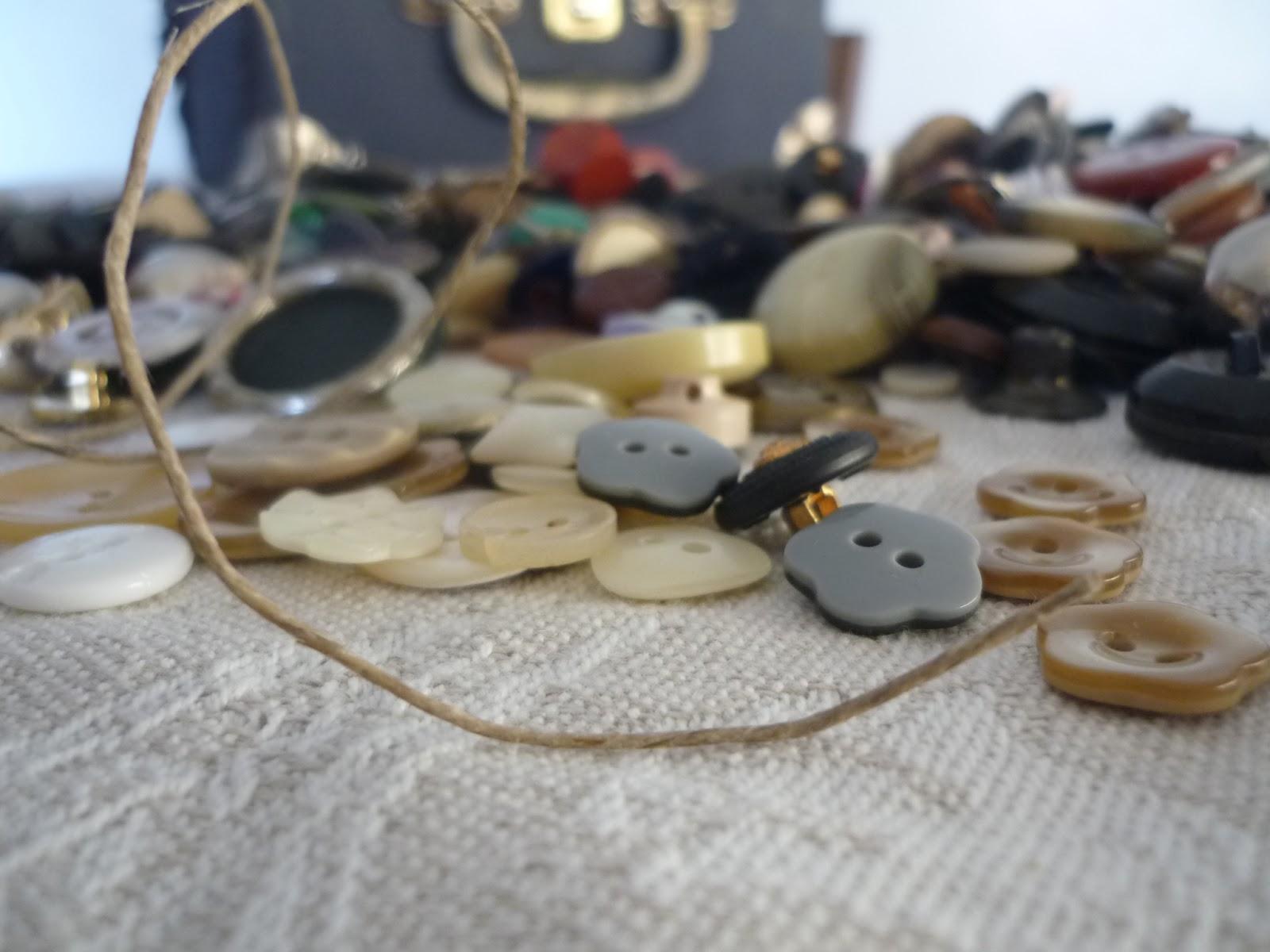 Matrimonio Country Chic Catania : Segnaposto bottoni vintage shabby country chic fai da te
