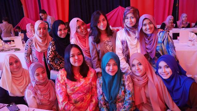 Blogger Wanita Melayu Popular di Malaysia