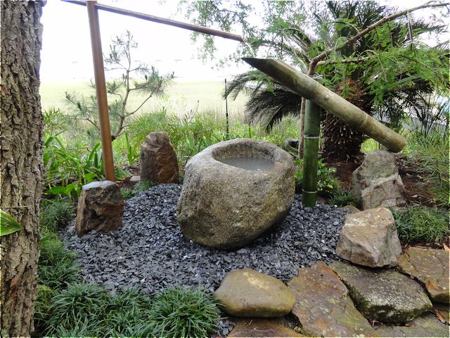 Shishi odoshi in a mt pleasant garden garden design by - Jardines japoneses zen ...