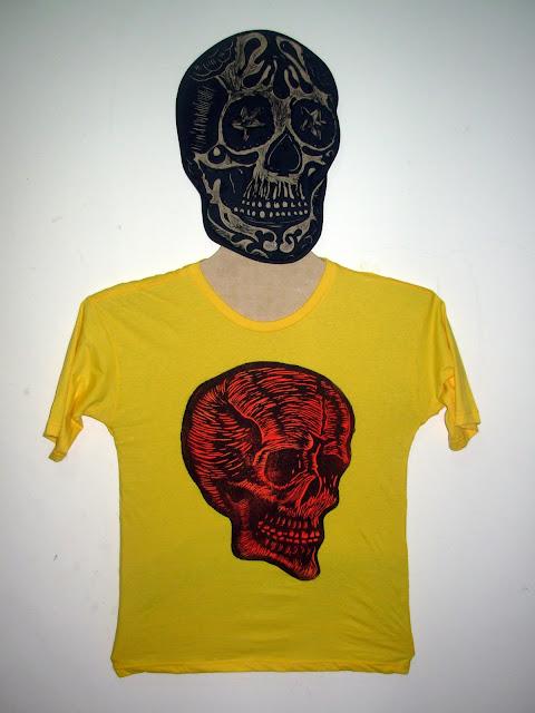"""Camiseta Baby look - Série """"Caveira"""""""