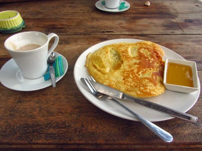 Pancake und Kaffee im Green Beach Hut