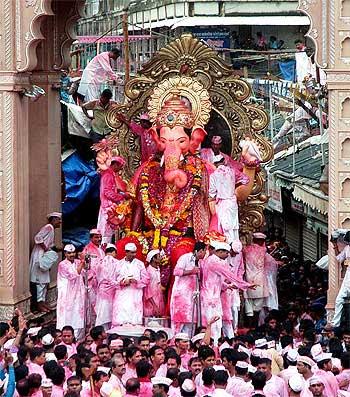 Lalbaugcha Raja 2011 Photos, Ganpati Visarjan Wallpapers