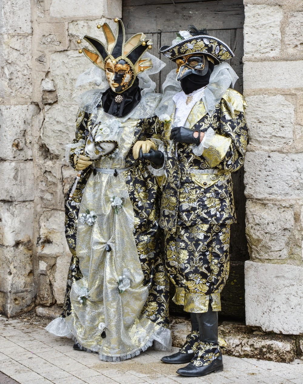 costumed persons from the venetian carnival at Mehun-sur-Yèvre