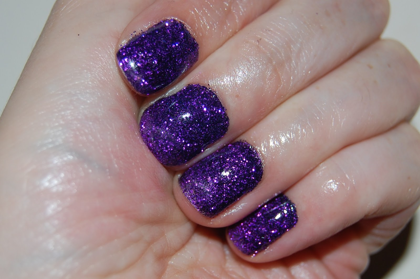 Lipstick Fridays - Beauty Blog: Purple Rockstar Nails
