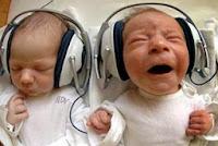 bayi mendengarkan qur`an,mendengar,mozart