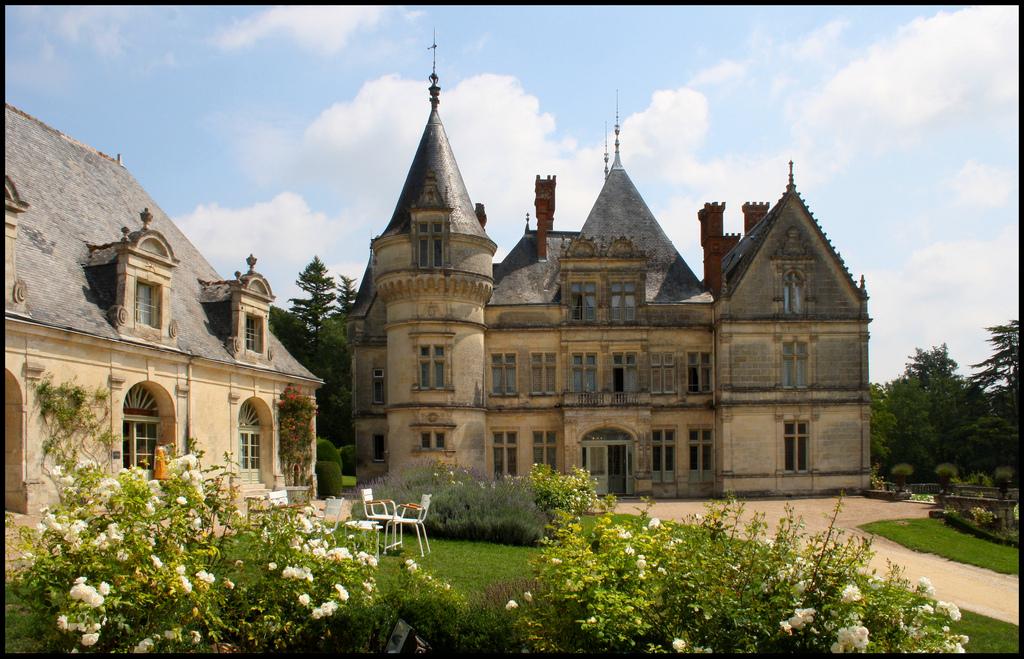 versailles to victoria chateau of the day ch teau de la. Black Bedroom Furniture Sets. Home Design Ideas