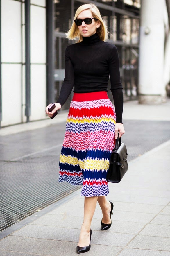 STREET STYLE INSPIRATION BLACK SWEATER COLORFUL SKIRT
