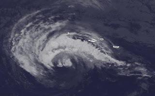 Tropensturm NADINE parkt fast vor den Azoren - mehr Sturmwarnung aktiviert, Nadine, Azoren, aktuell, Sturmwarnung, Satellitenbild Satellitenbilder, Vorhersage Forecast Prognose, Hurrikansaison 2012, Atlantische Hurrikansaison, September, 2012,