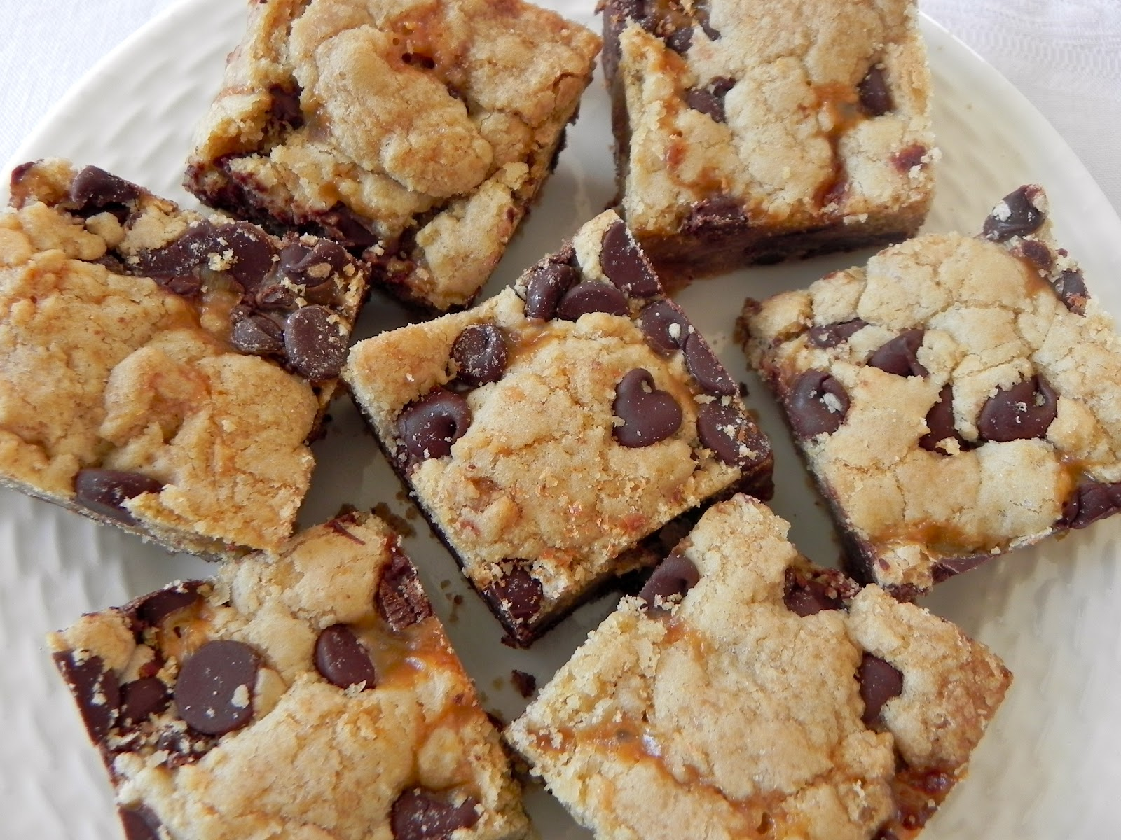 Salted Caramel Chocolate Chip Cookie Bars (Adapted from Two Peas ...