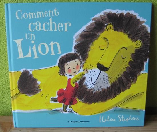 o une toute petite fille peut elle cacher un tr s gros lion dans la baignoire dans son lit. Black Bedroom Furniture Sets. Home Design Ideas
