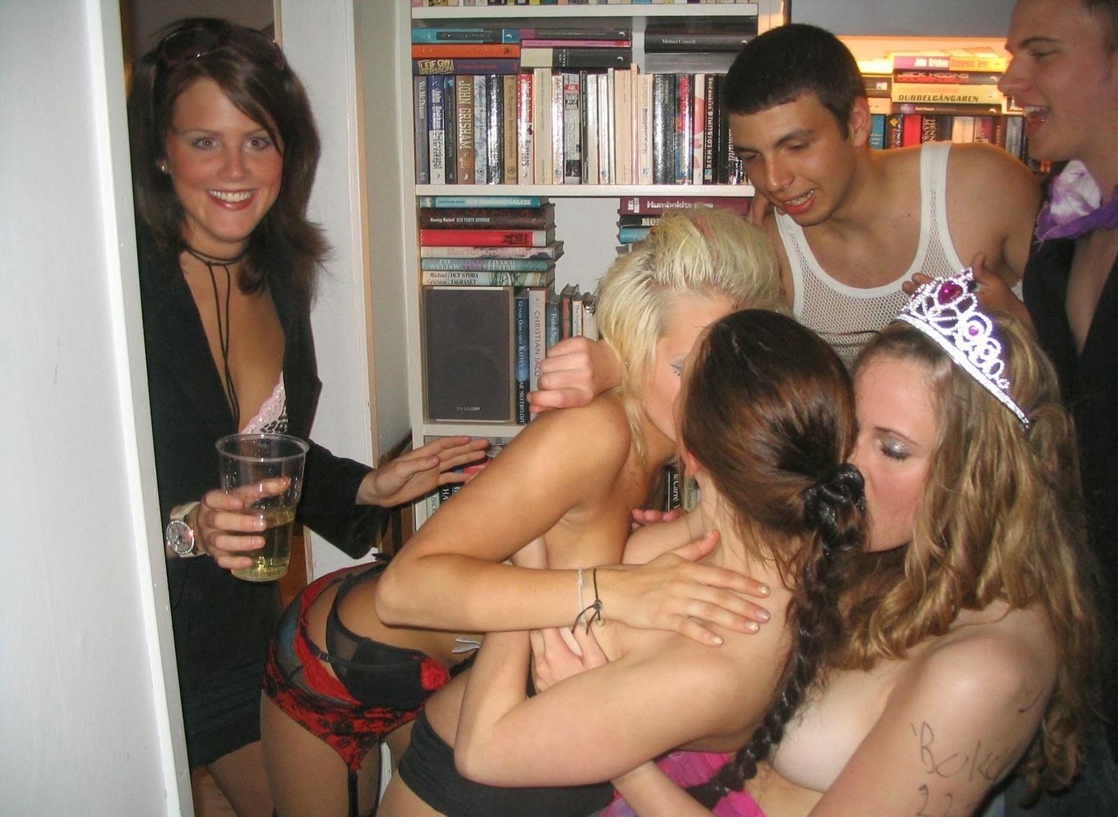 Смотреть секс фото вечеринки онлайн 12 фотография