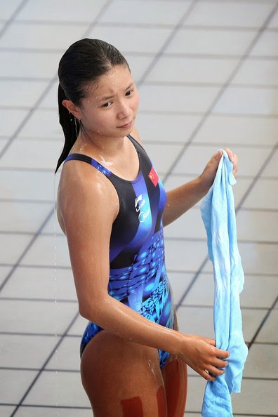 Meet the beautiful, fascinating and athletic beauty of He Zi from China