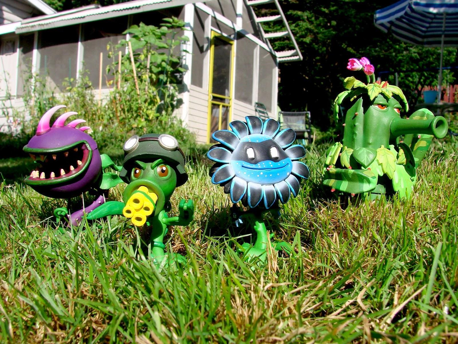 Collecting toyz diamond select toys popcap to launch - Plants vs zombies garden warfare toys ...