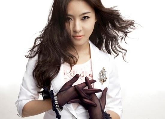 Ha Ji-won photo 004