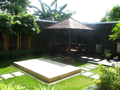 Tropical garden furniture - bamboo tiki huts, bars, Kids tiki play