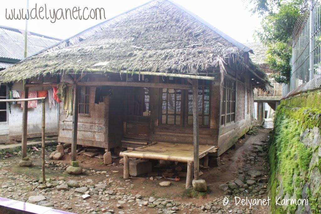 rumah tradisional sunda