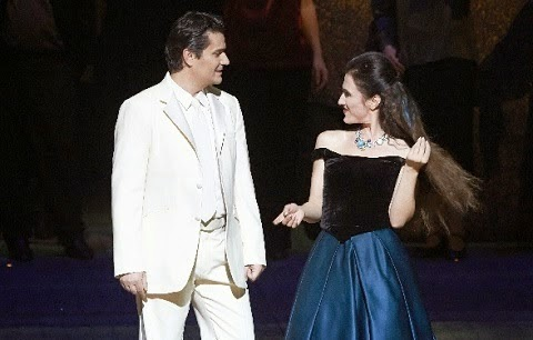 Saimir as Alfredo in Verdi's LA TRAVIATA at the Wiener Staatsoper, with Ermonela Jaho as Violetta, December 2014 [Photo © Wiener Staatsoper]