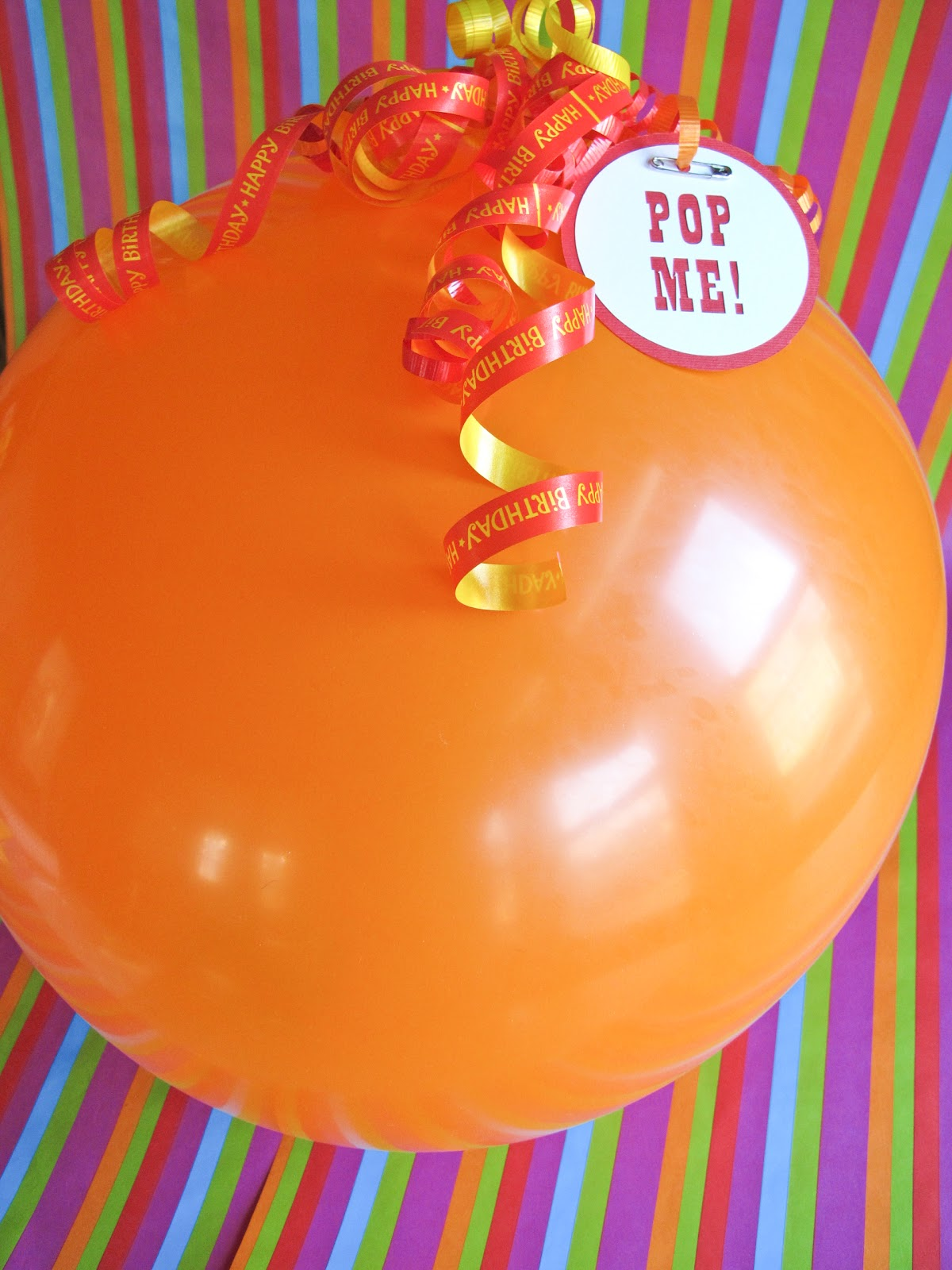 gift wrapping: balloon pop « elevencupcakes