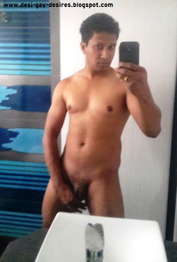 Desi Gay Desires: De-Selfie Naked 3