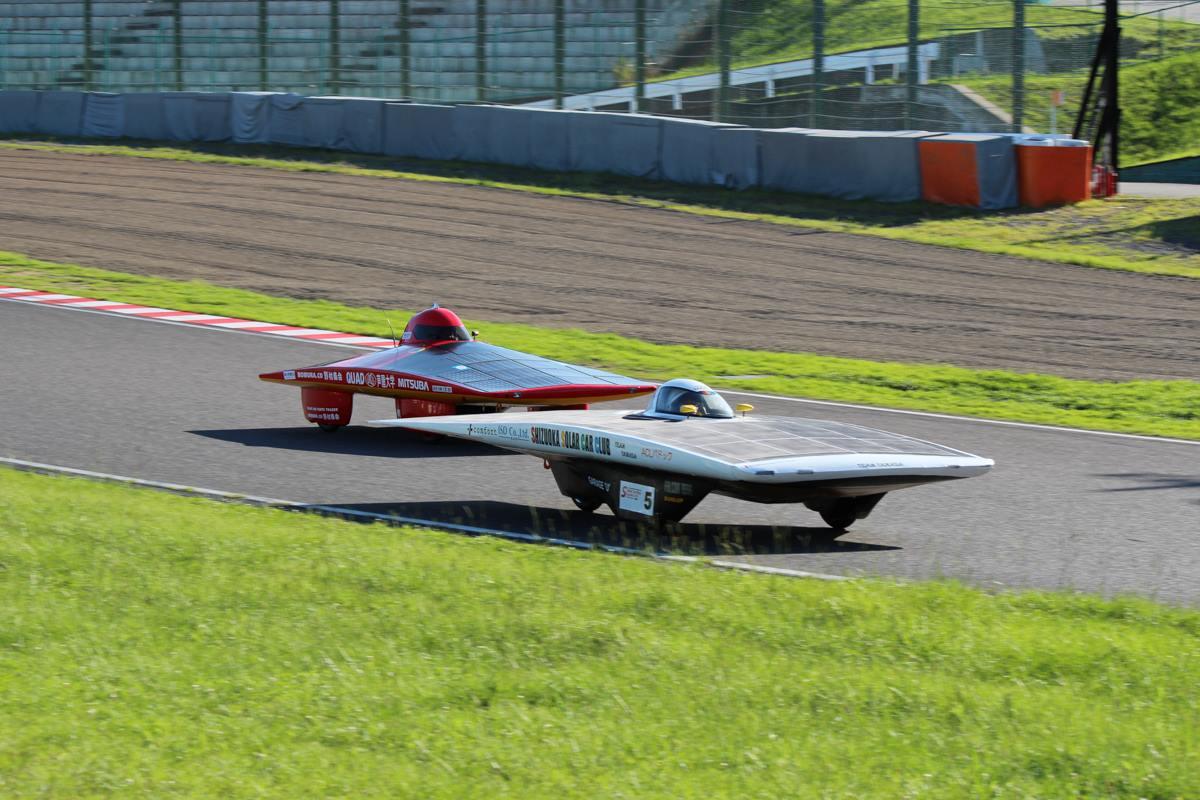 Solar Car Race Suzuka 2013, samochody napędzane energią słoneczną, wyścigi, Japonia, JDM, racing, tor wyścigowy, ekologia, co2, panele słoneczne, alternatywne paliwo, energia