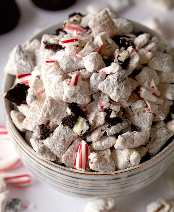 Peppermint Oreo Muddy Buddies Recipe