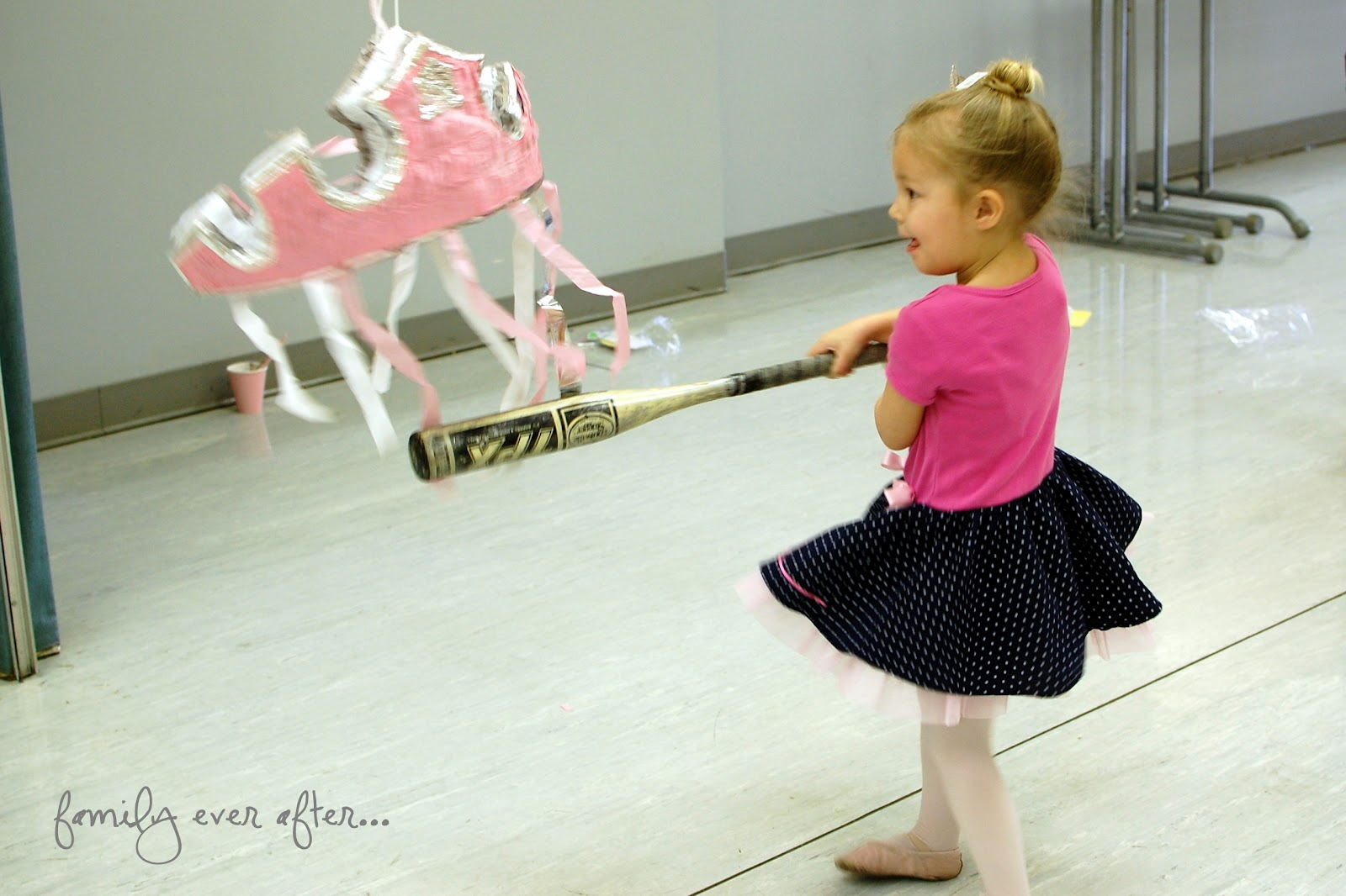 How to throw a ballet themed birthday party cafemom for Table th row group