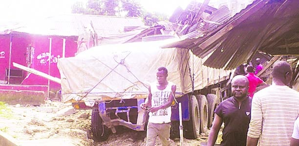 Trailer crushes woman to death in Osun