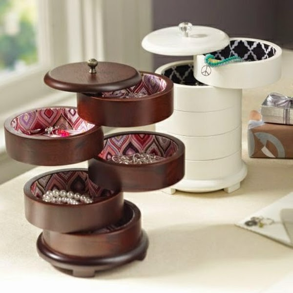 creative jewelry storage boxes on the dressing table & 15 Simple accessories and jewelry storage ideas (DIY)