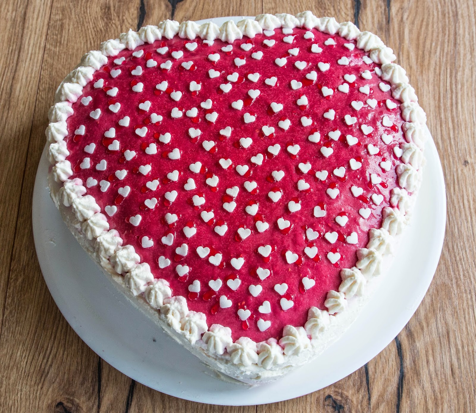 , Himbeermousse Torte, Herz, Himbeermoussetorte, Himbeermousse-Torte ...