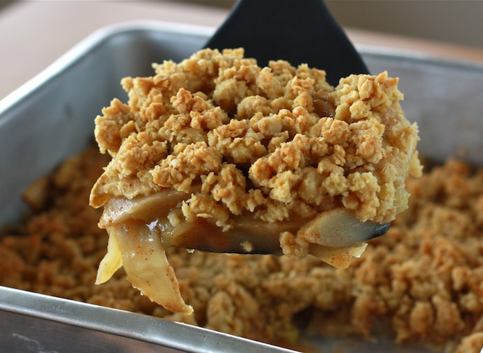 Apple Crisp recipe by SeasonWithSpice.com