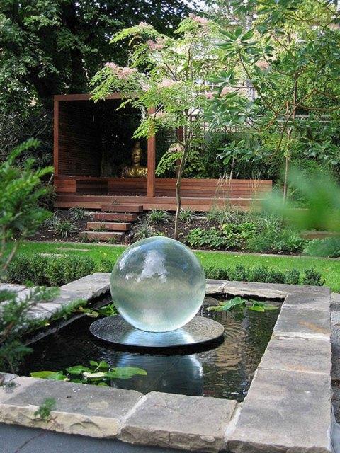 tips desain kolam ikan mungil rumah minimalis foto