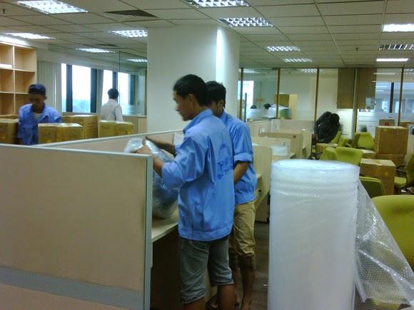 tháo lắp bàn ghế văn phòng